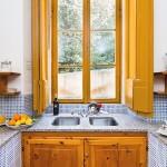 Nettuno holiday apartment at villa Gamberaia - kitchen