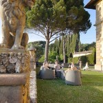 festa in the Tuscan garden of the villa